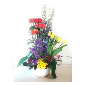 arreglos florales en maceta de cerámica