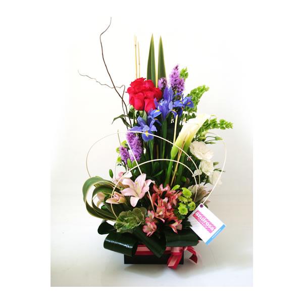arreglo floral en caja color chocolate
